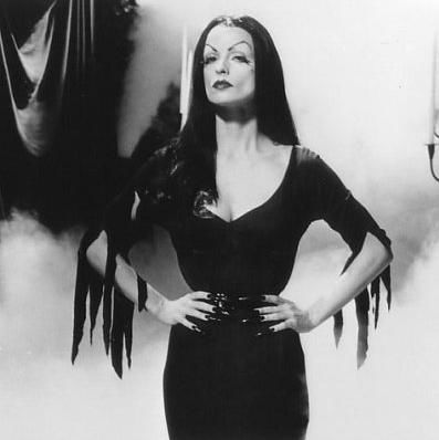 Lisa Marie as Vampira