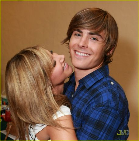 zac efron and vanessa hudgens hsm3. Zac Efron amp; Ashley Tisdale