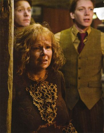 Fred, George and Molly Weasley