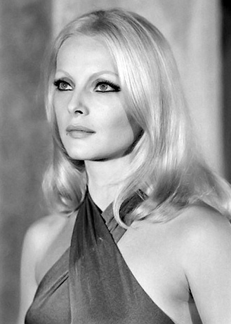 Virna Lisi as Nathalie