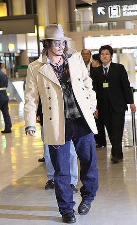 Johnny Depp arriving at the airport in Japan December 8,2009.