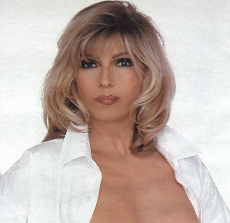 Nancy_Cordes_Is_Hot http://www.rottentomatoes.com/celebrity/nancy_sinatra/pictures/9867617/