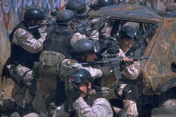 Randy Shughart and Gary Gordon http://www.rottentomatoes.com/quiz/black-hawk-down-538631/
